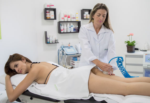 Massagem Modeladora com Endermoterapia